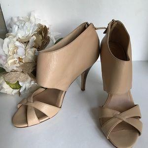 Cole Haan 100% leather cream heels